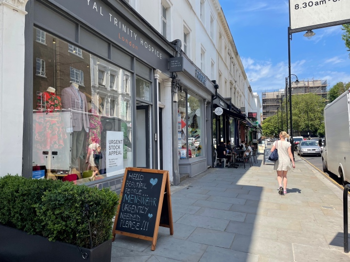 A guide to the best charity shops in Chelsea & South Kensington,London
